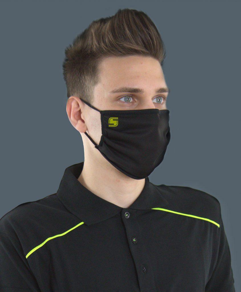 Polo nera da lavoro con dettagli giallo fluo e mascherina PF2ST-PO1 coordinata